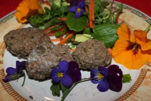 Cleavers meat patties with salad
